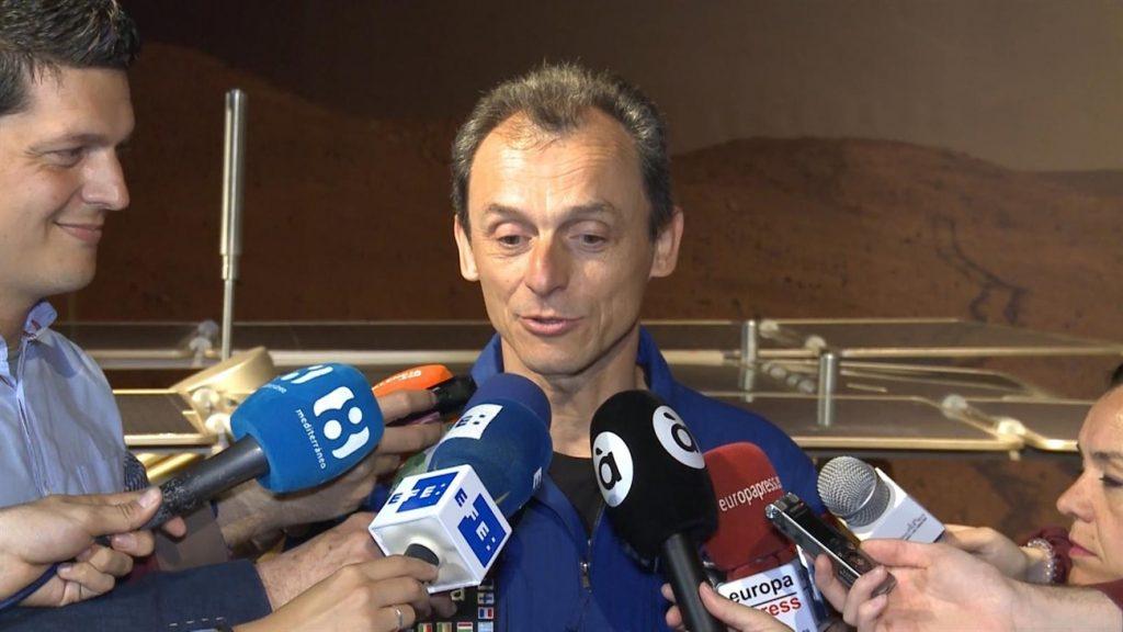 A la atención del Excelentísimo Señor Pedro Duque, Ministro de Ciencia, Innovación y Universidad del Gobierno de España.