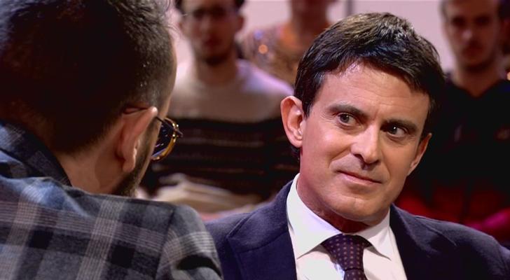 """Manuel Valls, entre las cuerdas por su pasado: expulsó a 5.000 gitanos en Francia y fue acusado de """"racista"""""""