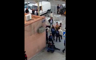 Guerra entre clanes gitanos en San Blas: «Se atacaron con palos y la Policía en medio»