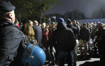La violencia neofascista mantiene a los romaníes fuera del barrio de Roma