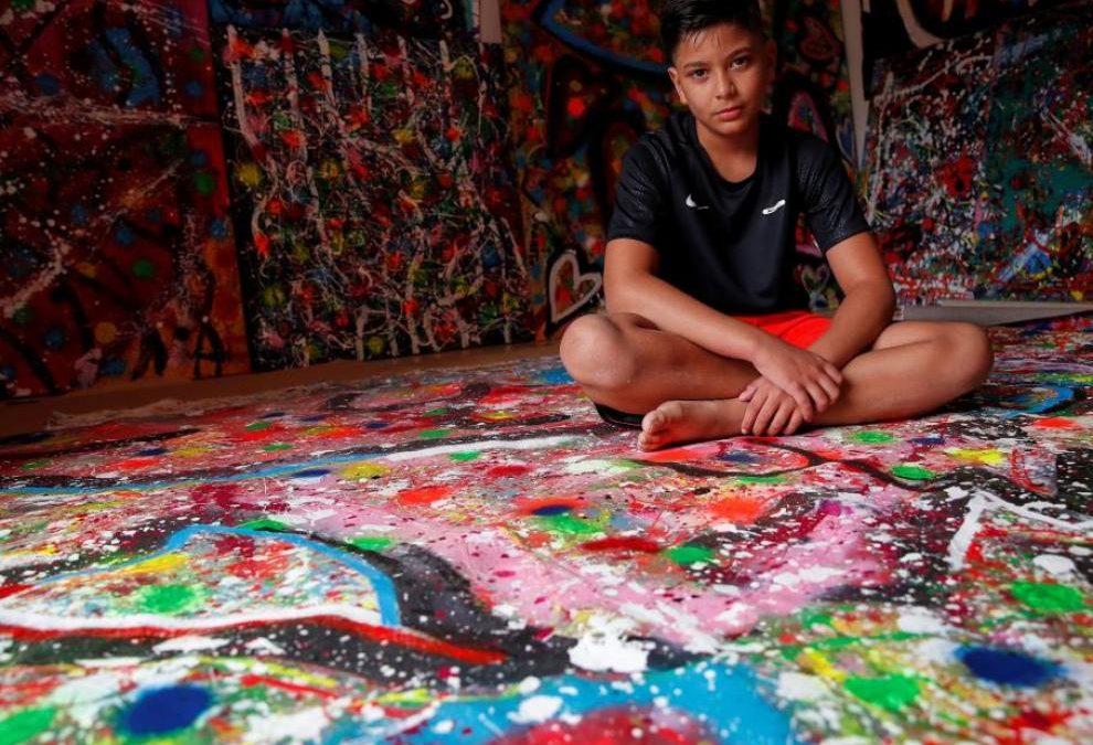 Juanito Cortés, el pintor de 11 años que subasta sus obras desde 6.000 euros