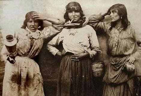 101 mujeres gitanas pa' construir tu feminismo